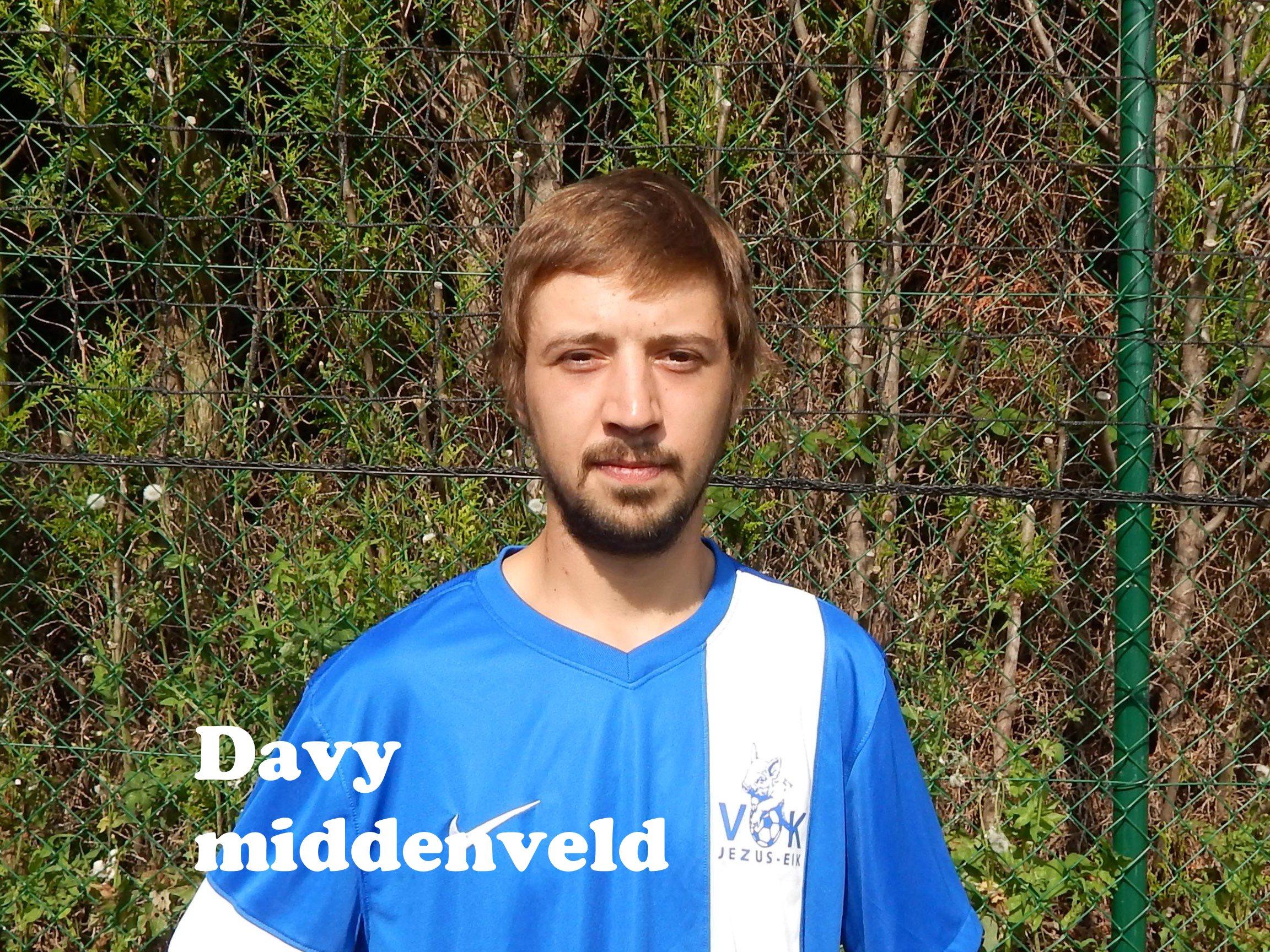 Davy - Middenvelder -